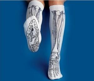 носки с рисунком скелета